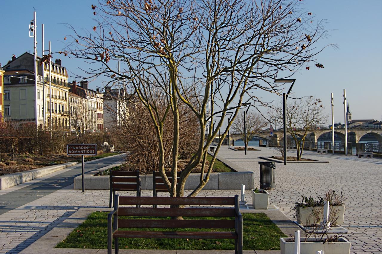 Banc esplanade Lamartine Mâcon