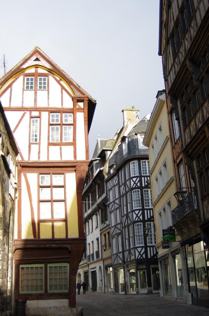 Rue derrière la cathédrale de Rouen